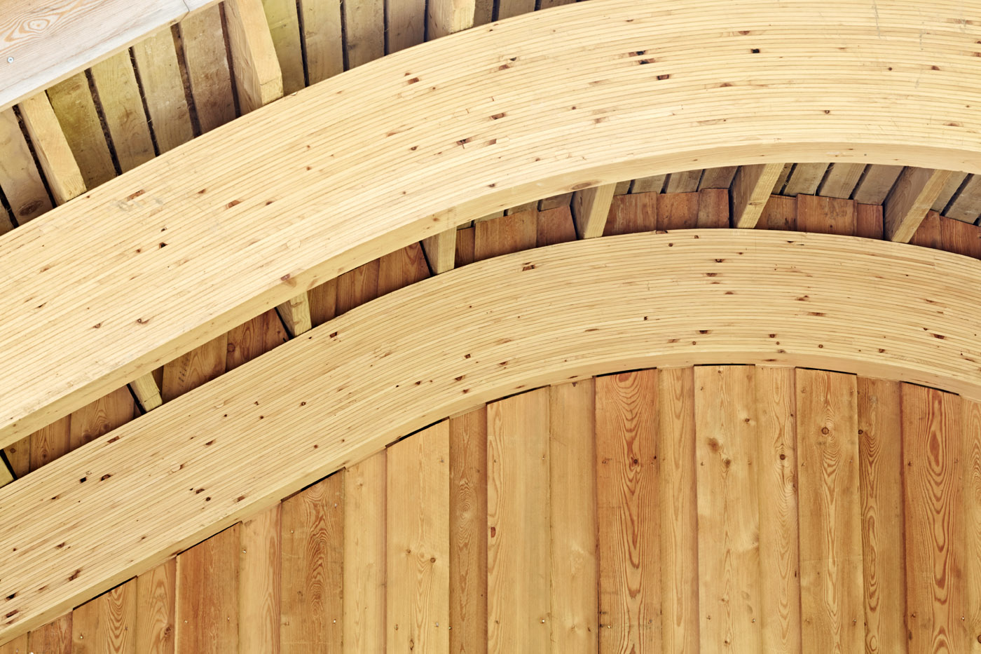 Wooden roof arch